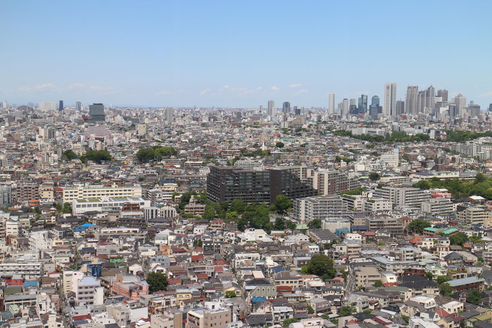 Der Ausblick vom Carrot Tower: rechts die Türme von Shinjuku, links Shimokitazawa.