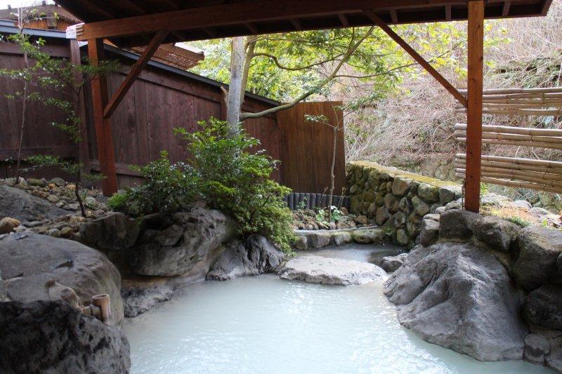 Mugen no Sato Shunkashuto[6] (Beppu, Präfektur Ōita)