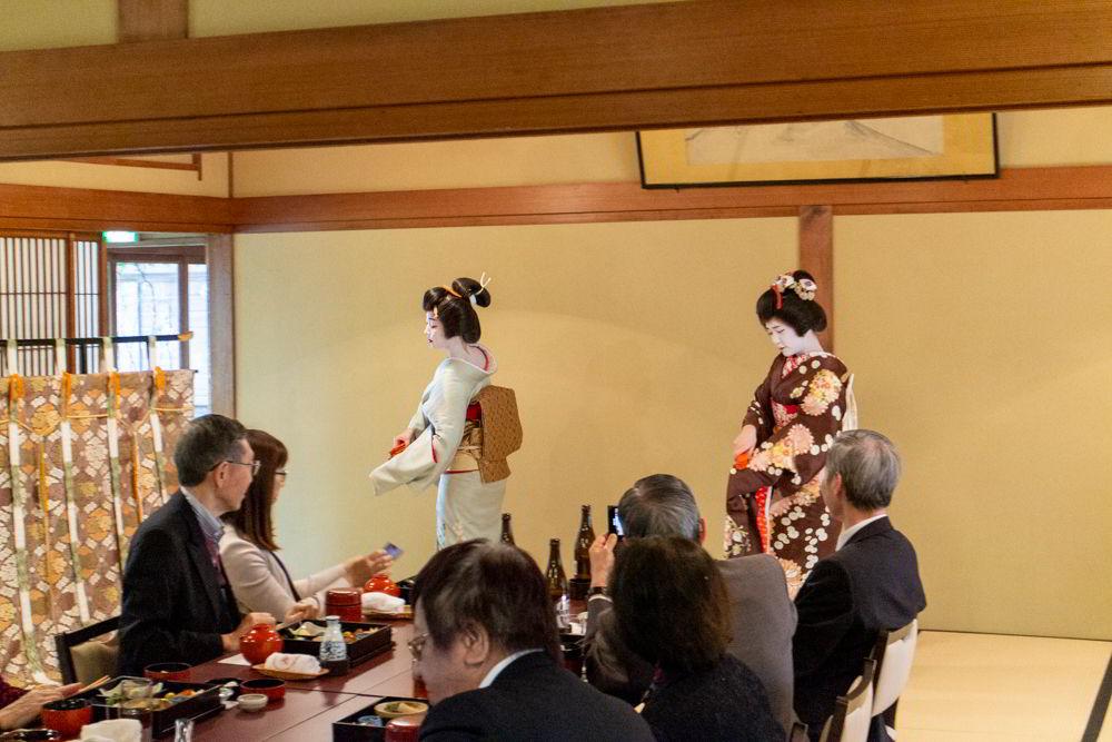 Geigi beim Tanz in Niigata