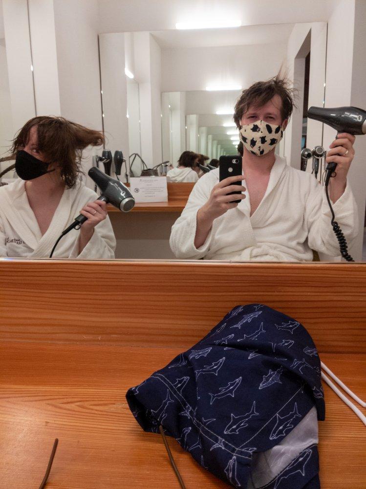 Haare trocknen mit Maske