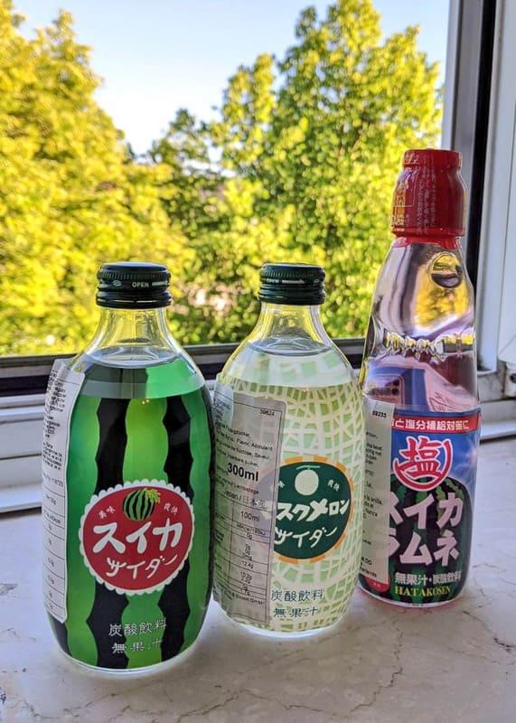 Glas-Flaschen Cider und Ramune