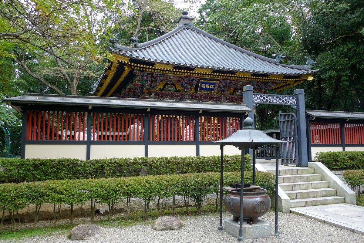 Date Masamunes Mausoleum brannte 1945 ab und wurde später neu aufgebaut.