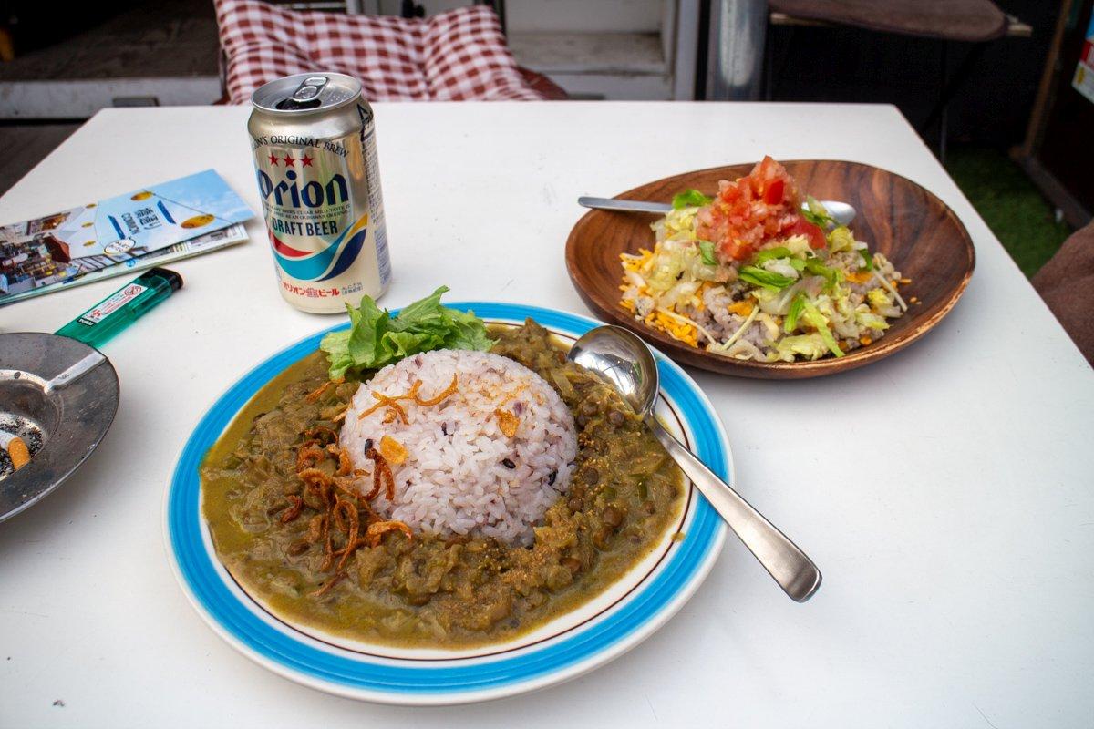 Zu Essen gab es natürlich Taco-Reis! Das Rezept dazu findet ihr bei uns im Blog!
