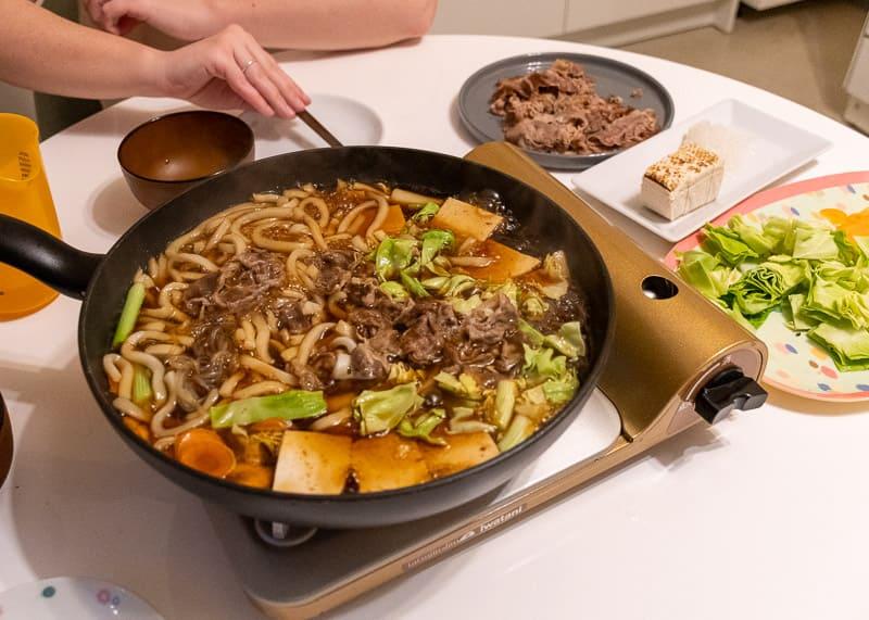 Rezept Udon Sukiyaki am Tisch