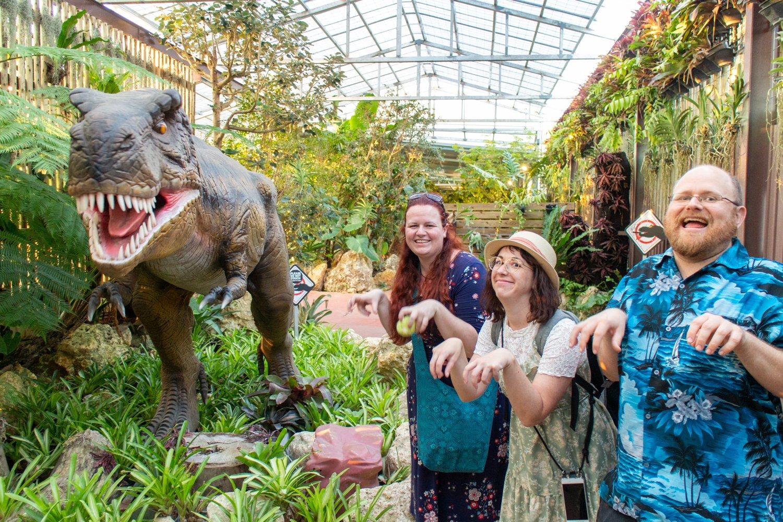 Im Pineapple Park gibt es auch... äähhh... Dinos.